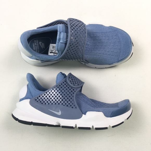 the latest 44a55 e8d31 Nike Womens Sock Dart Running 6 848475-402 B24. M 5ae24bc62ab8c5929150a941